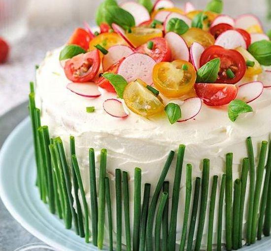 Салат украшенный - торт
