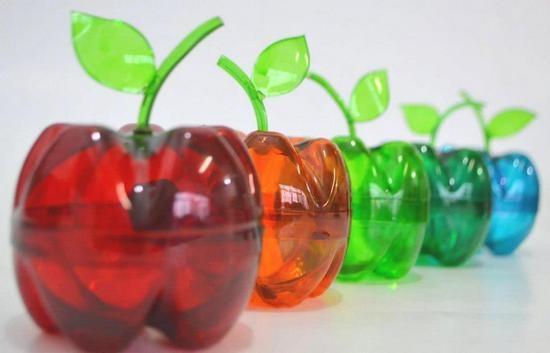 Яблоко из пластиковой бутылки