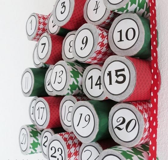 Календарь из рулонов туалетной бумаги