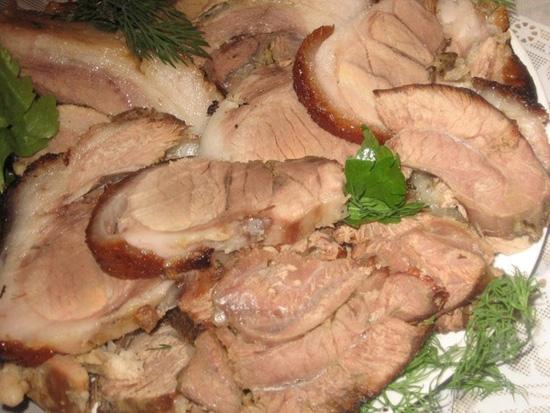Свиная рулька запеченная в духовке без варки: рецепт с фото