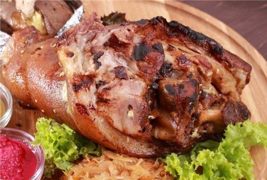 Свиная рулька запеченная в духовке в фольге