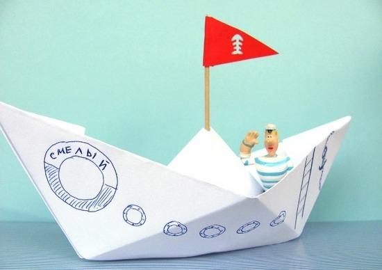 Делаем бумажный кораблик: основные этапы