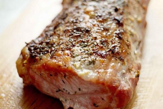 Как выбрать свиную шейку, и какие ингредиенты нужны для ее приготовления?
