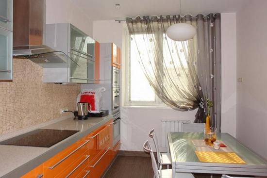 Как выбрать модель занавесок в зависимости от дизайна кухни?