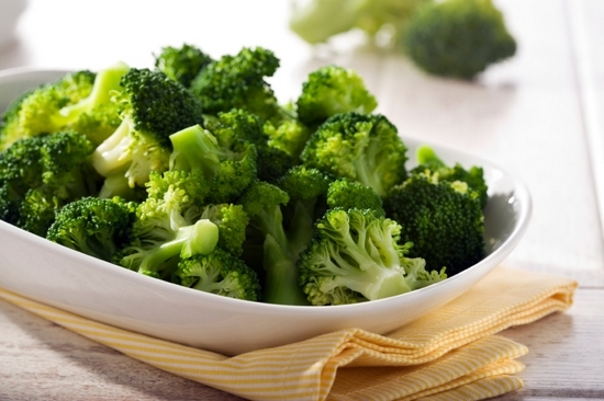 Как варить брокколи замороженную?