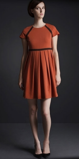 Платье с завышенной талией рыжое
