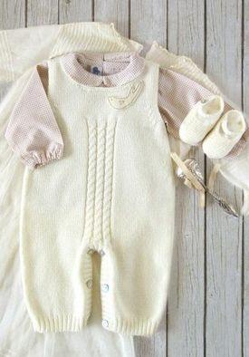 Вяжем для новорожденного 0-3 месяцев: костюмы спицами, идеи 90