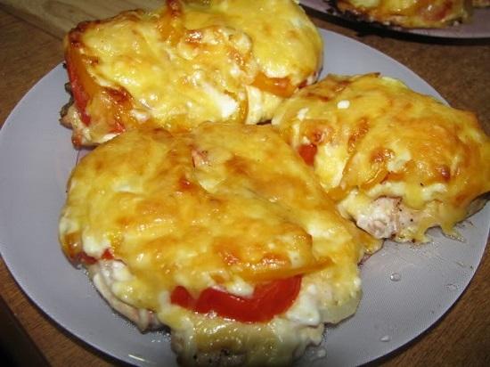 мясо с сыром и ананасами в духовке рецепт с фото