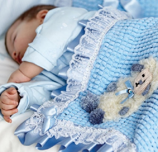 Вязаные пледы для новорожденных на выписку