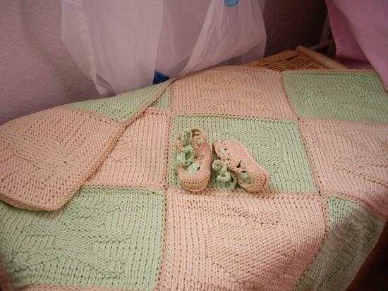 Как связать плед для новорожденного?