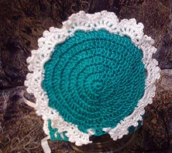 870e4add52520bdb83893ca227f714d8 Шапка для девочки крючком на весну, зиму, осень: схемы и описание. Как связать детскую шапку для девочки крючком с ушками, Микки Маус, шлем?