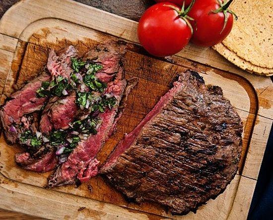 Рецепт вкусной говядины в духовке