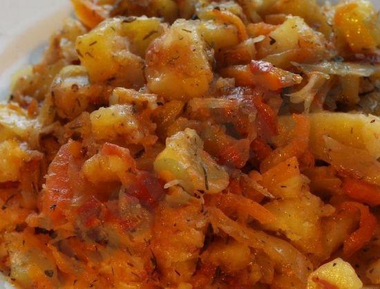 Как пожарить капусту с картошкой на сковороде