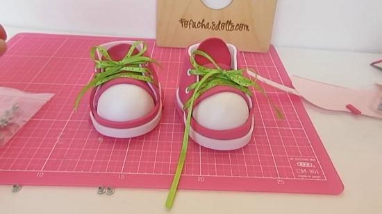 Обувь для кукол из фоамирана: готовое изделие