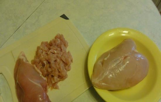 Как приготовить рубленые котлеты из филе курицы?