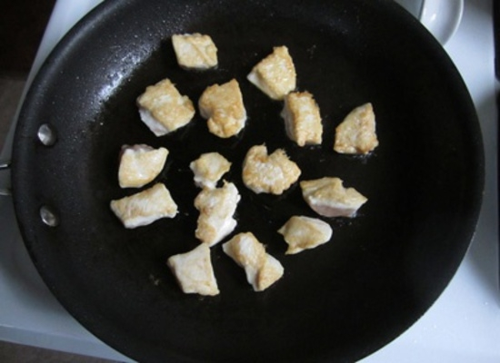 Курица в кисло-сладком соусе: мясо на сковороде