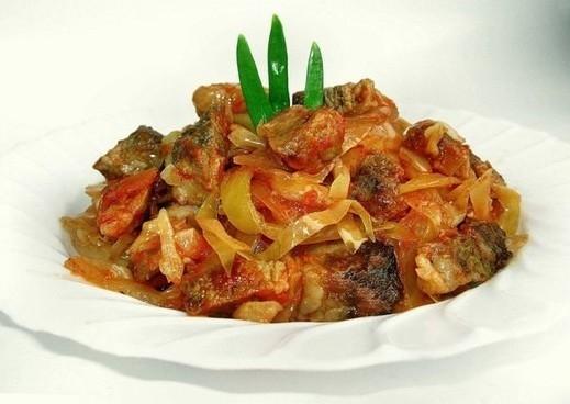 Мясо с капустой картошкой в мультиварке 1