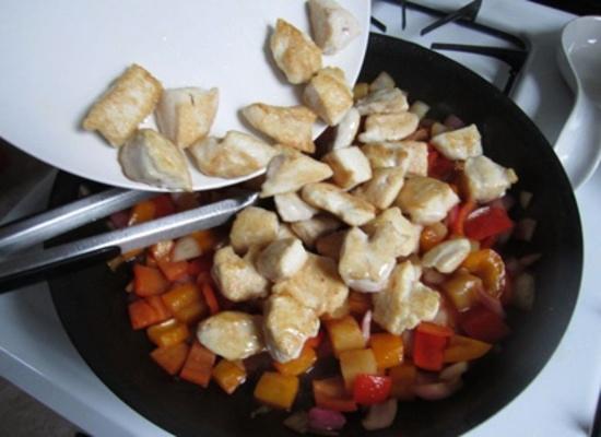 Курица в кисло-сладком соусе: соединение компонентов