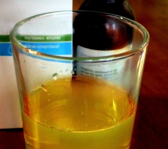 Как развести соду для полоскания горла беременным 29