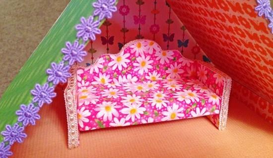 Как сделать диван для кукол из коробки?