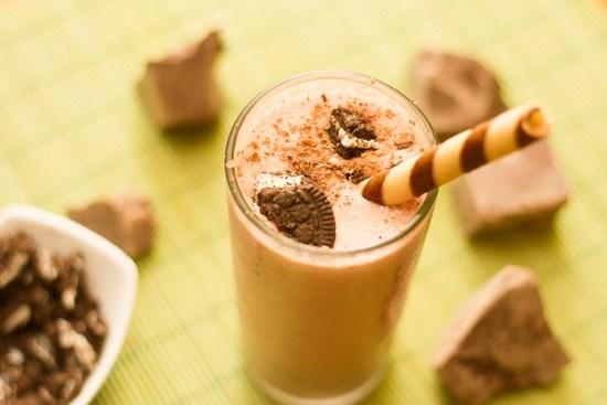 Шоколадный коктейль в домашних условиях с мороженым