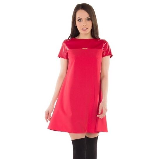 Платье-трапеция на кокетке