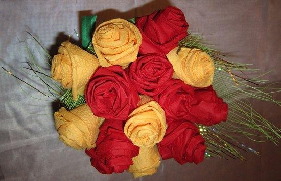Как сделать букет из роз из салфеток своими руками