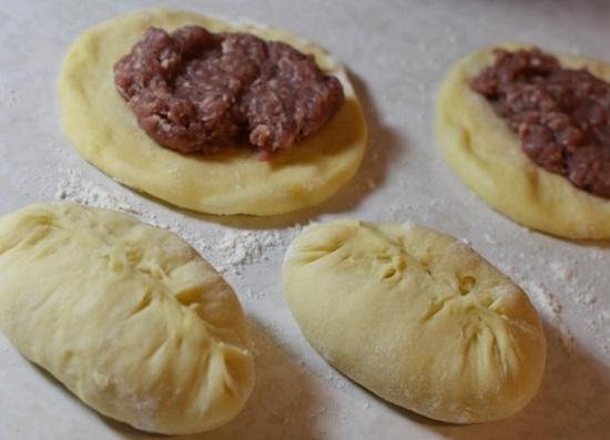 Рецепт кексов с вареной сгущенкой в силиконовых формочках с фото