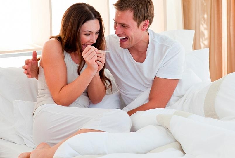 После знакомства забеременела