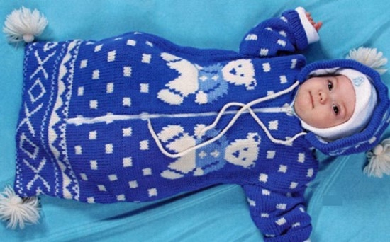 Вязание конверта для новорожденного спицами