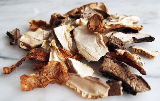 как приготовить сушеные грибы с картошкой грибы