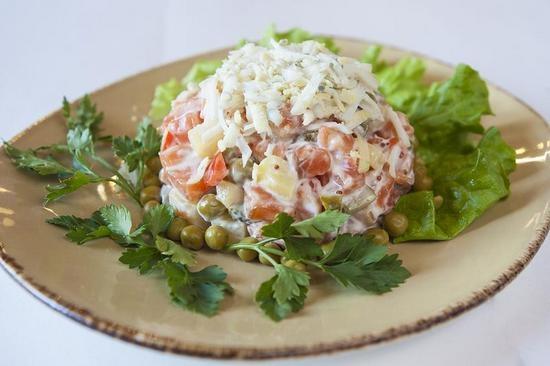 зимний салат рецепт классический с колбасой зимний