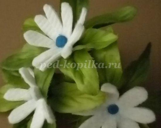 Цветы своими руками из ватных дисков