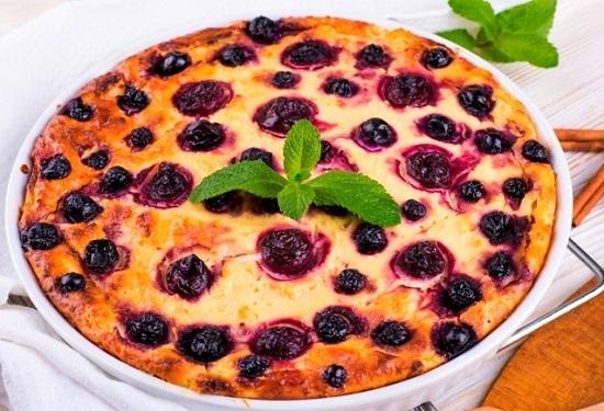 Вкусный пирог на сметане на скорую руку