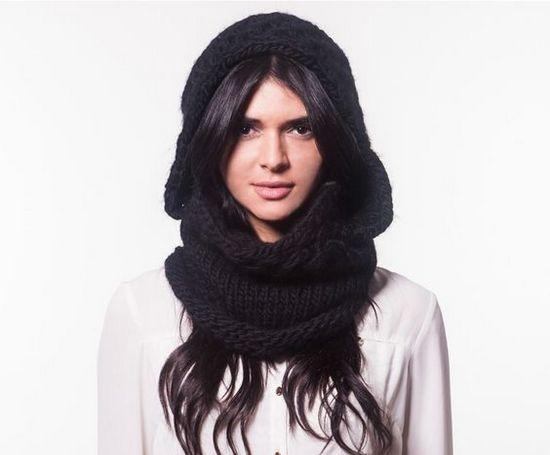 Схема, описывающая, как связать шарф-капюшон спицами