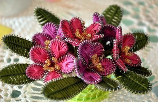 Оригинальные цветы из проволоки