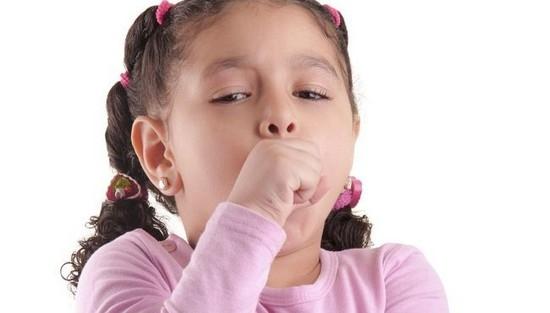 Ребёнок кашляет во время еды