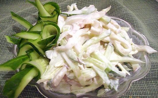 Кальмары и рис салат