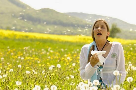 причины, почему закладывает нос без насморка