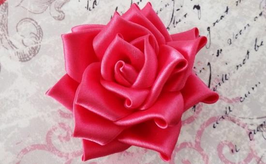 Самые простые цветы из лент своими руками фото 72