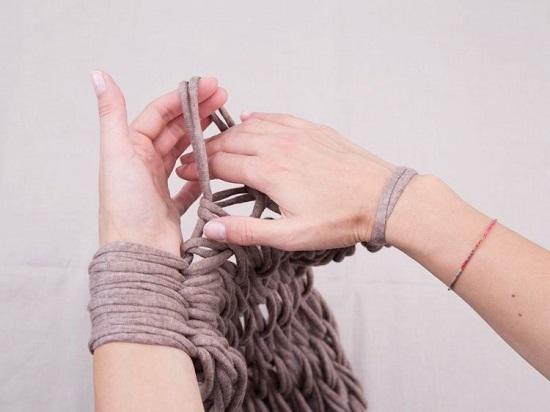 Связанные платками руки фото видео принимаю