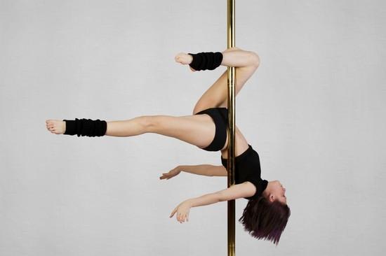 telki-nazvanie-shesta-v-striptize-foto-lyubitelskoe