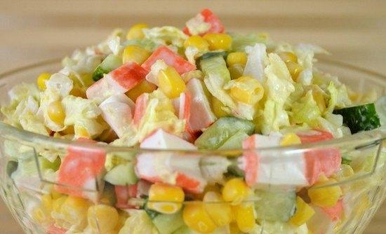 Салат крабовый с капустой и огурцами