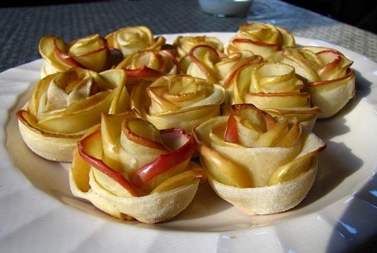 яблоки запеченные в слоеном тесте в духовке рецепт