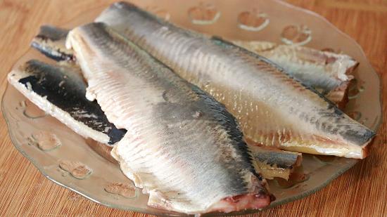 Блинные тарталетки с сельдью под шубой – кулинарный рецепт