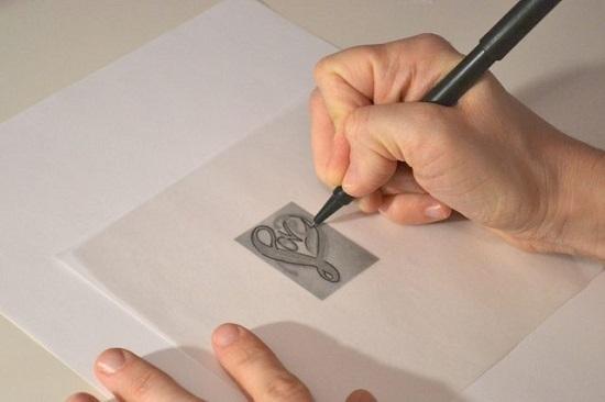 Распечатайте на листе бумаги рисунок