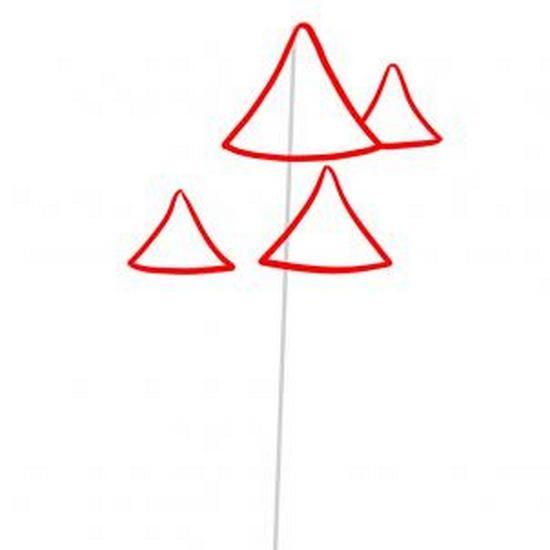 Рисуем треугольник крыши