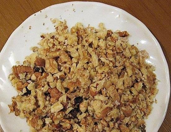 Орехи измельчаем блендером