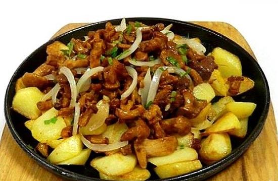 Картошка с грибами жареная рецепт с фото в мультиварке