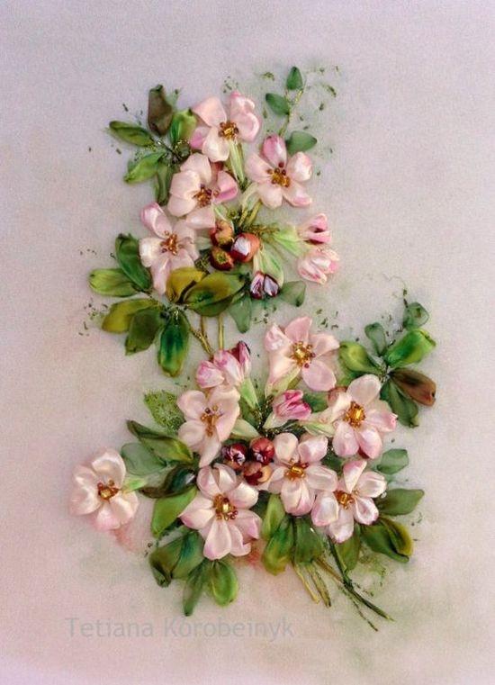 Вышивка лентами: яблони